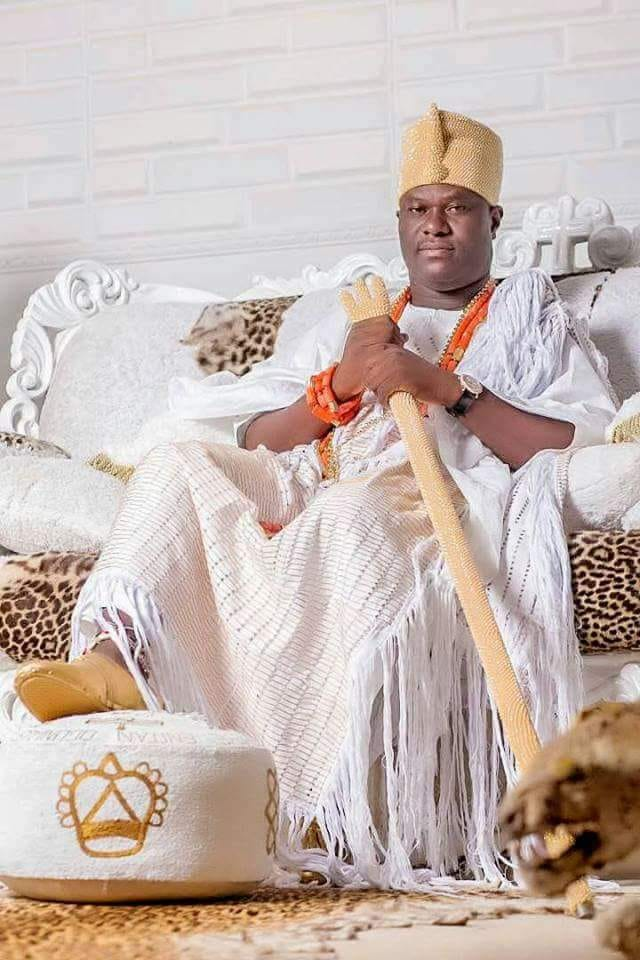 A Plea For Traditional And >> Ooni Of Ife Performs Traditional Act On Flight Nigerians On